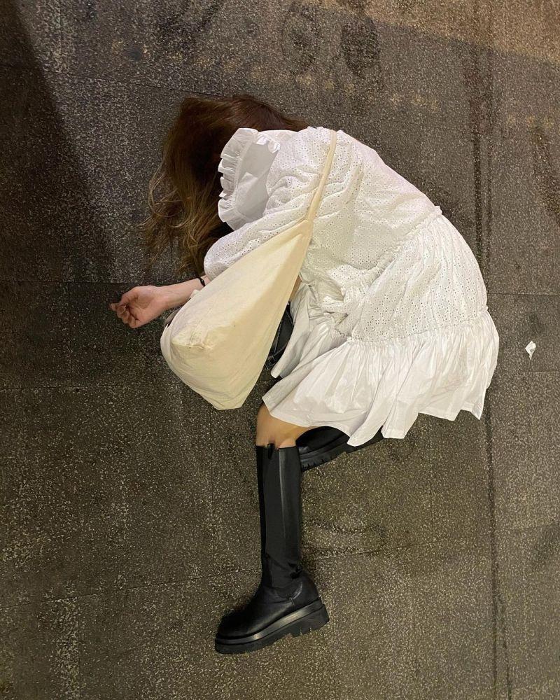 ▲▼發發喝到爛醉,在路邊倒頭就睡。(圖/發發IG)