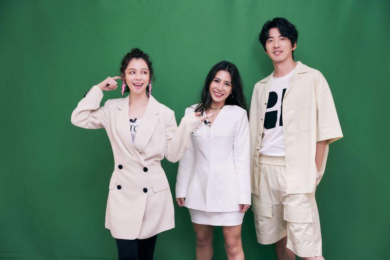 ▲徐若瑄(左起)找來艾怡良、傅孟柏玩遊戲闖關,沒想到傅孟柏卻輸最慘。(圖/索尼音樂提供)