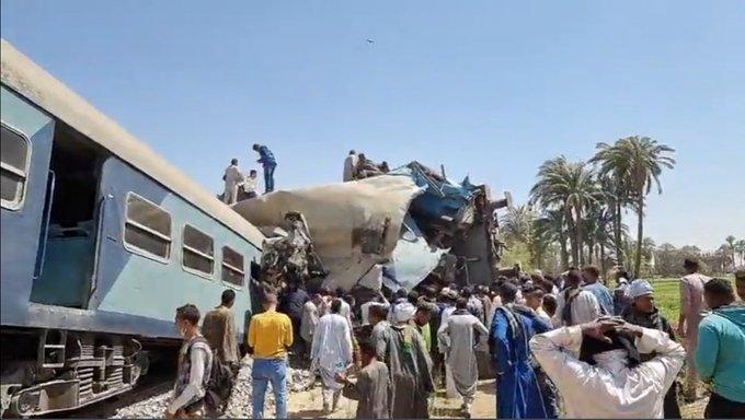 ▲埃及南部在今(26)日下午發生火車對撞事故,目前已知造成32人死亡、60多人受傷。(圖/翻攝自Egypt Today Magazine)