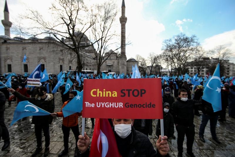 ▲人權觀察組織今天表示,中國在新疆的所做所為可能已符合違反人道罪的要件,因此呼籲聯合國調查相關的「普遍」凌虐問題,並呼籲商界避免購買新疆生產的商品。資料照。(圖/美聯社/達志影像)