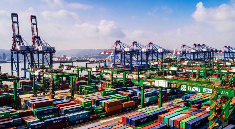 台北港也「大排長榮」?長雅輪煙囪被撞 長榮海運回應了