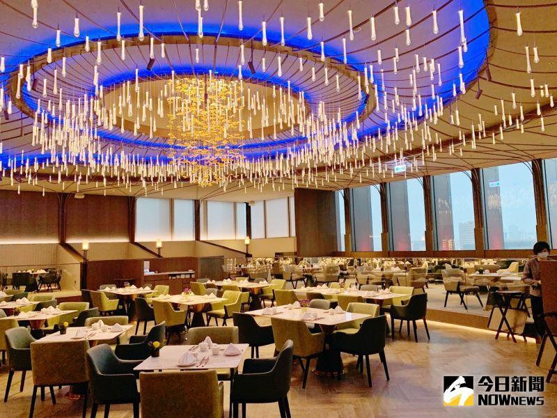 ▲「高雄萬豪酒店」嶄新規格與量體,十分令人驚豔。(圖/記者陳美嘉攝,2021.03.27)