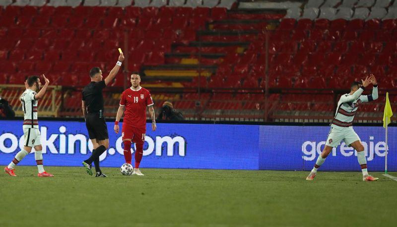 世界盃資格賽C羅因抗議領到黃牌