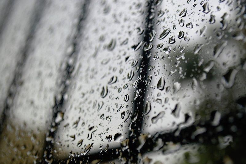 ▲原PO到不熟同學家躲雨,長到後卻想不起這位同學和對方的家。(示意圖/翻攝Pixabay)