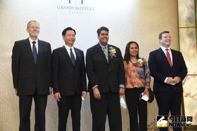 巷仔內/帛琉總統訪台 台美帛合演大歡喜戲碼