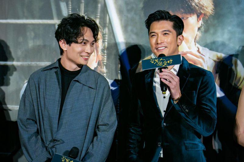 ▲《當男人戀愛時》導演殷振豪(左)、男主角邱澤。(圖/當男人戀愛時粉專)