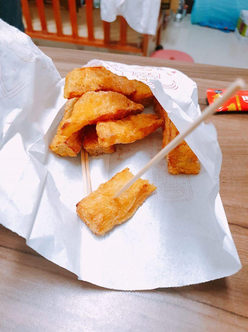 ▲原PO本拜託老公買回脆薯,但對方帶回來的卻是地瓜薯條。(圖/翻攝爆怨2公社臉書)