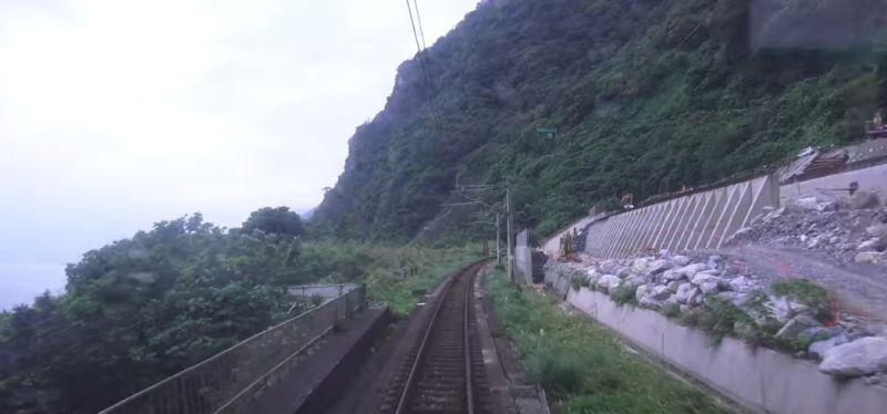 ▲台鐵太魯閣號408車發生出軌意外,就有網友搜出1月「駕駛視角」的畫面。(圖/翻攝自《臺灣交通鐵道影像》YouTube )