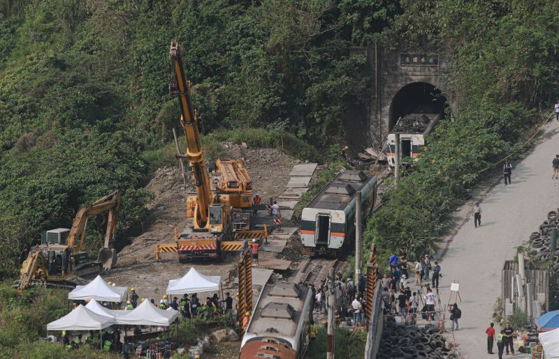 台鐵出軌釀50死 韓國瑜:盼悲痛事件不再發生