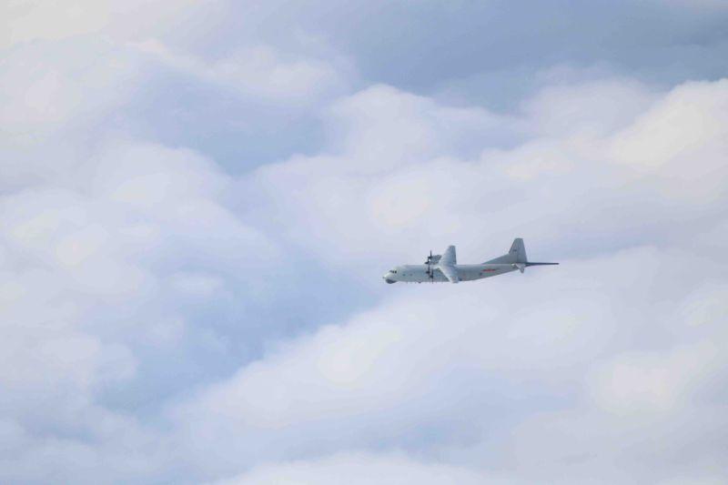 ▲國防部晚間表示,共機1架次運8反潛機於今(15)日下午擾台。(圖/國防部提供)
