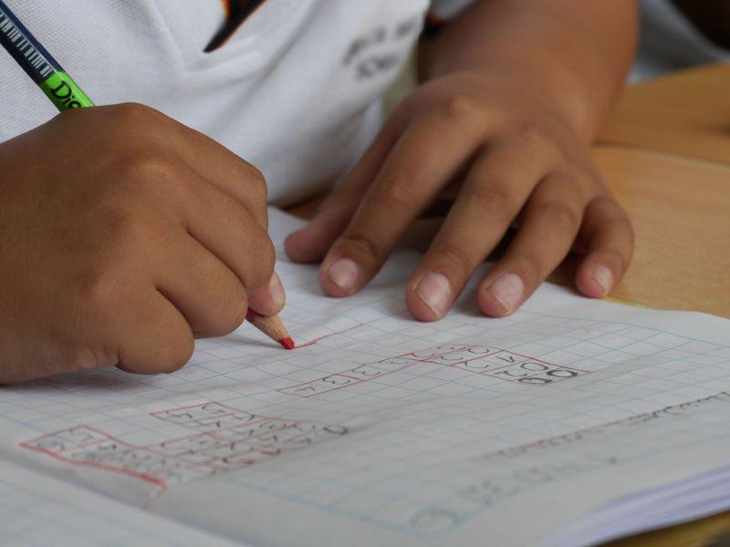 簡單數學題卻有「2個答案」!2萬人掀國際論戰:誰算錯?