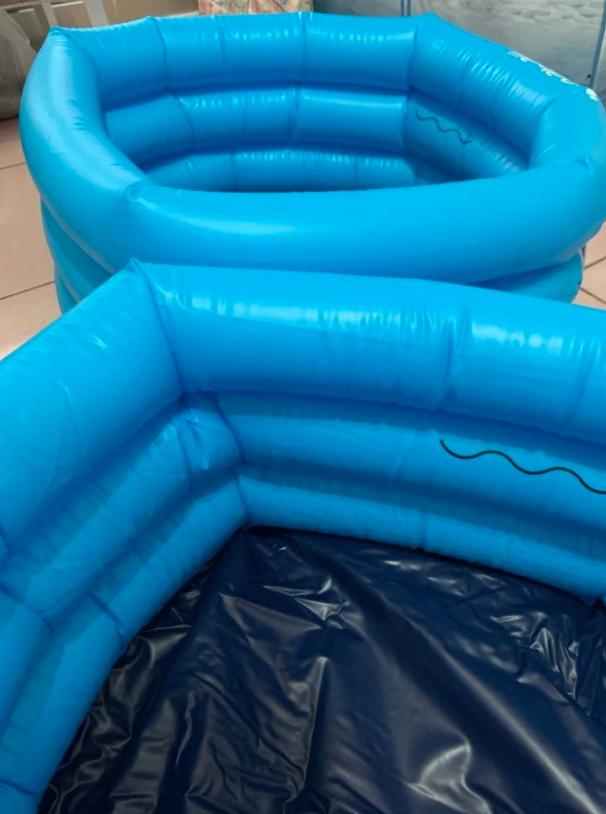 ▲女網友PO出爸爸買的兒童用游泳池。(圖/翻攝自《Dcard》)