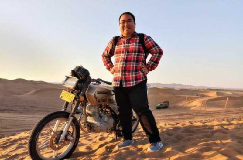 ▲從中國清華大學碩士畢業的張昆瑋,今年快30歲,過去曾待過摩根大通、谷歌等國際知名公司,現在的他則回到故鄉山西教書。(圖/翻攝網易新聞)