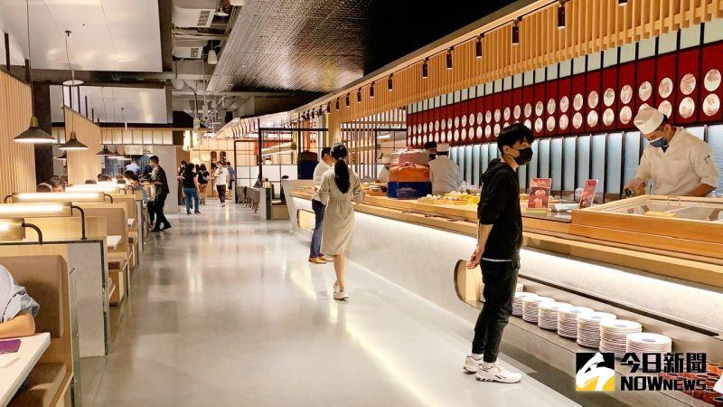 ▲「旭集」高雄義享店以一餐區一名店的設計概念,打造9大日式料亭。(圖/記者陳美嘉攝)