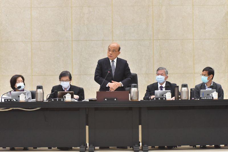 ▲行政院院長蘇貞昌在8日的行政院會中要求各部會加速台鐵改革,他會緊盯每個環節。(圖/行政院提供)