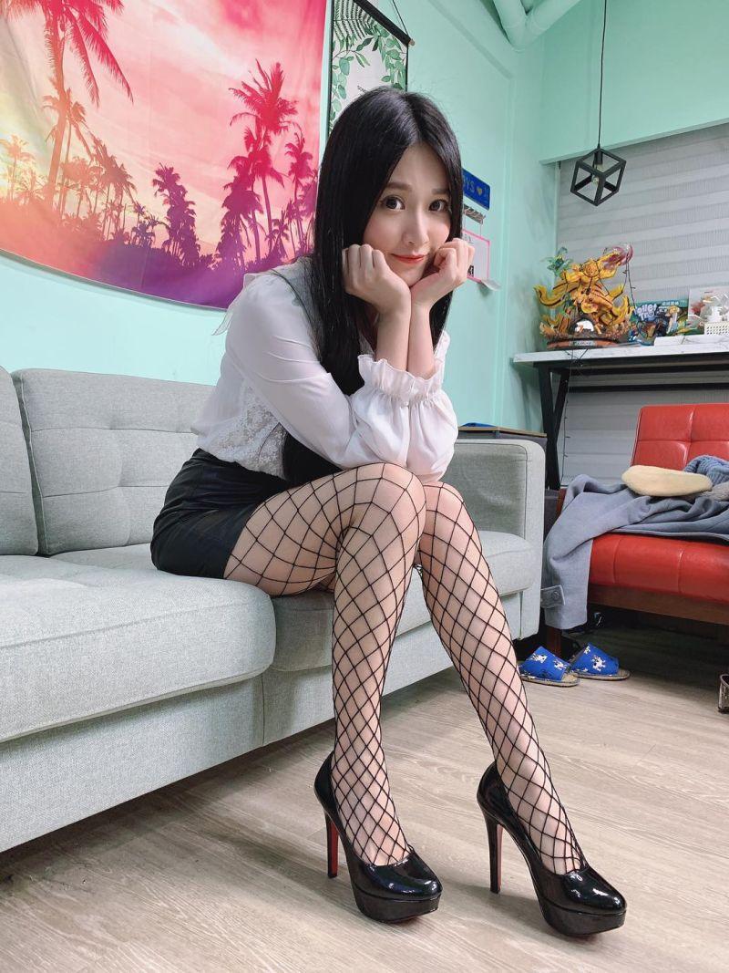 ▲艾瑞絲集甜美與性感於一身。(圖/艾瑞絲臉書、IG)