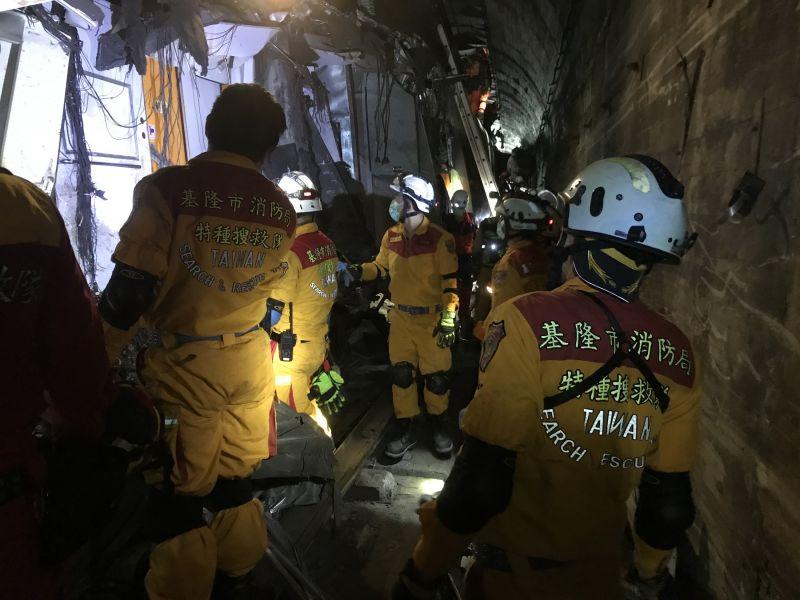 救難英雄辛苦了!基隆市消防促進會慰勞救災特搜人員