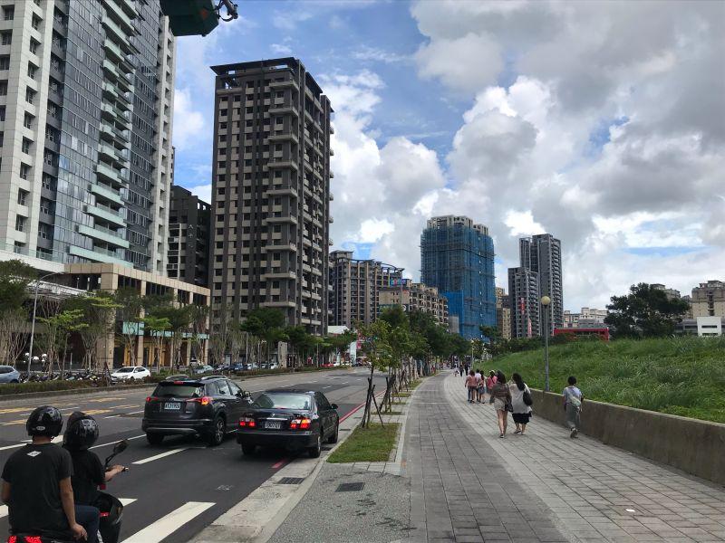 ▲寬闊的街道是許多人喜歡定居林口新市鎮的原因之一。(圖/NOWnews資料照片)