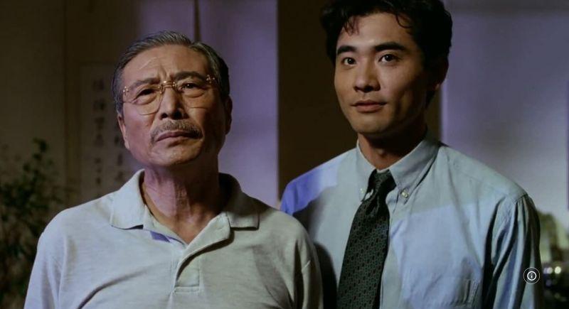 ▲《囍宴》裡郎雄(左)與趙文瑄。(圖/IMDb)