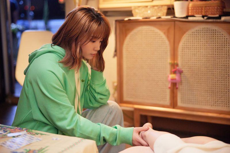▲鄭心慈的新歌MV找來「氣質女神」連俞涵演出。(圖/星空飛騰提供)