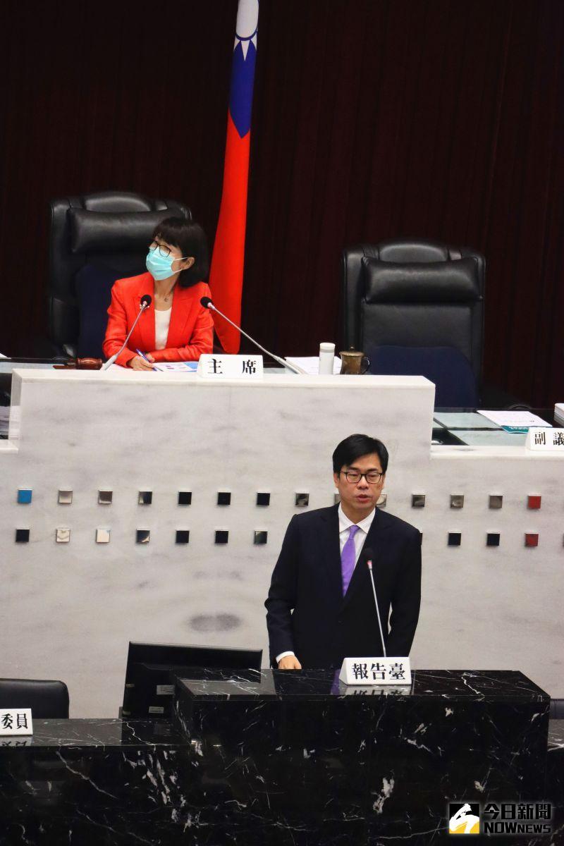 ▲高雄市長陳其邁今日到高雄市議會進行施政報告。(圖/記者鄭婷襄攝,2021.04.12)