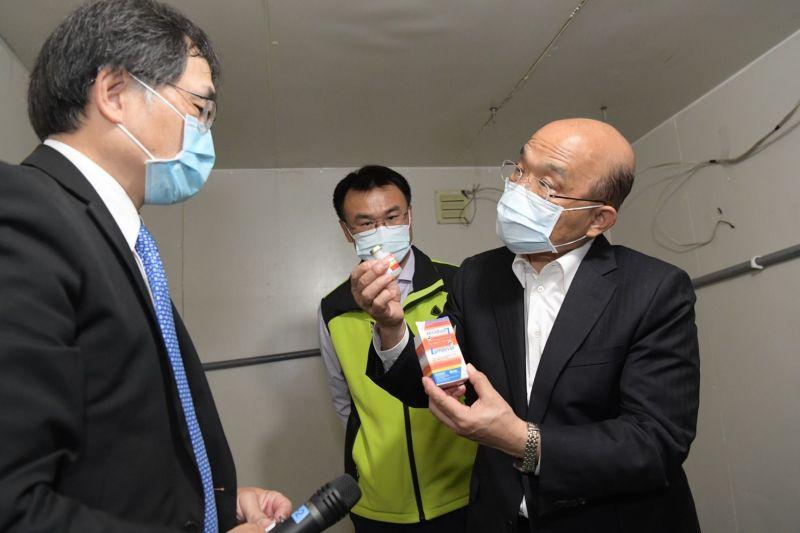 行政院長蘇貞昌今到新北市視察牛結節疹防疫,對於外界說他神隱,他不滿表示10天來他開了數十場會議,哪有神隱。(圖/行政院提供)