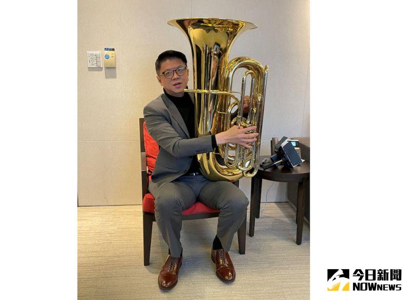 ▲來自新加坡的星展銀行台灣總經理林鑫川,用音樂接地氣,怕自己「不夠台」,練唱多首台語歌,高中時期還是低音號樂手的他,更曾來台進行音樂交流。(圖/記者顏真真攝)