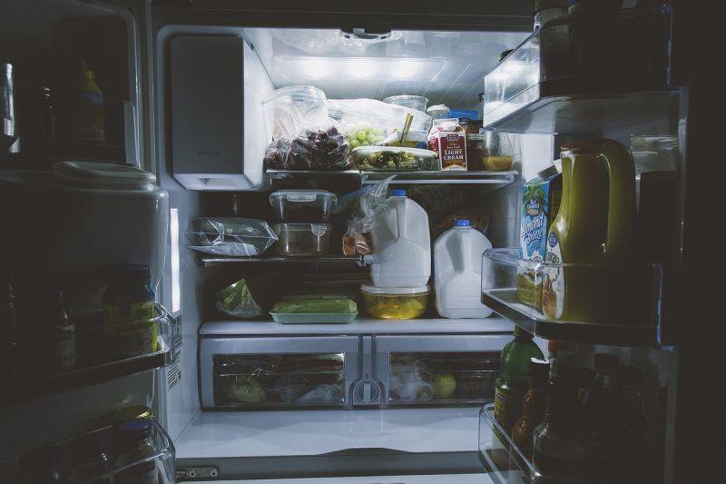 ▲有網友表示,家裡只有小型冰箱,沒辦法冷凍肉類,好奇問「肉類怎麼冷藏?」(示意圖/取自pixabay)