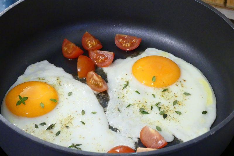 ▲搜狐美食專欄《小茉莉美食記》近日提醒,做番茄炒蛋有「3樣配料」不宜放,小心放了會適得其反。(示意圖/取自pixabay)