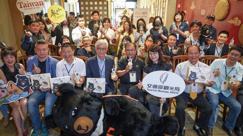 喔熊推台灣經典家鄉味「滷肉飯」、「珍奶」