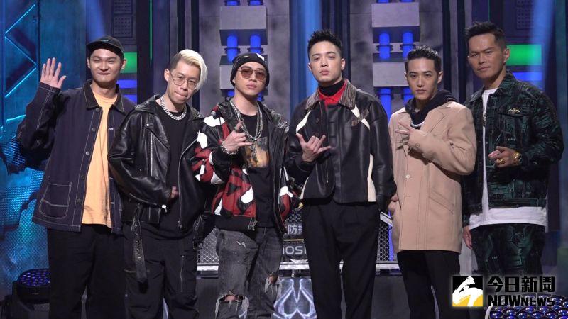 ▲Leo王(左起)、剃刀蔣、ØZI、J. Sheon、熊仔、大支今(23日)出席嘻哈選秀節目MTV《大嘻哈時代》。(圖/記者朱永強攝影)