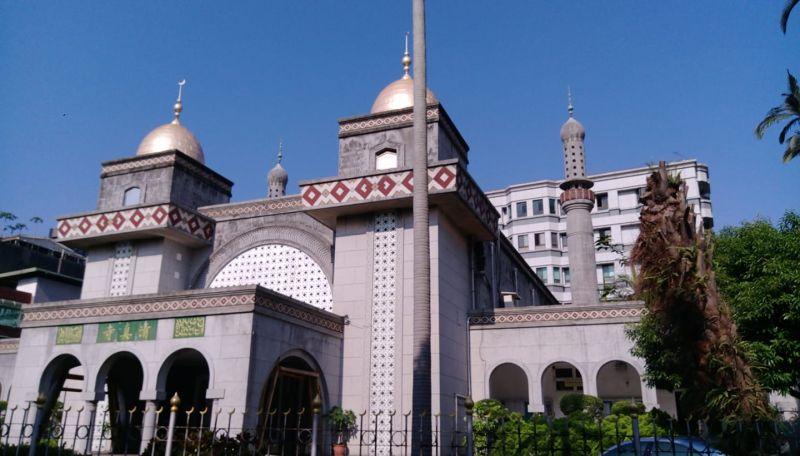 染疫機師曾出入 台北清真寺:暫停一周宗教活動
