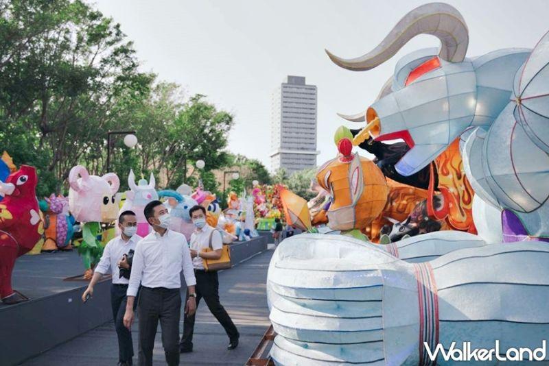 ▲下午15點起則會有集結80多個攤位的「文創市集」快閃進駐,讓民眾一路逛到傍晚賞燈。(圖/Taipei