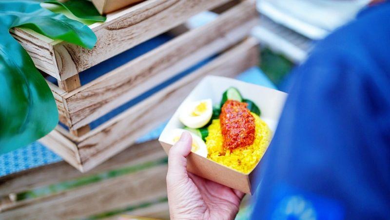 ▲「愛河艸食祭」主題市集推出期間限定菜單,造型時尚又美味的蔬食料理。(圖/高市府觀光局提供)