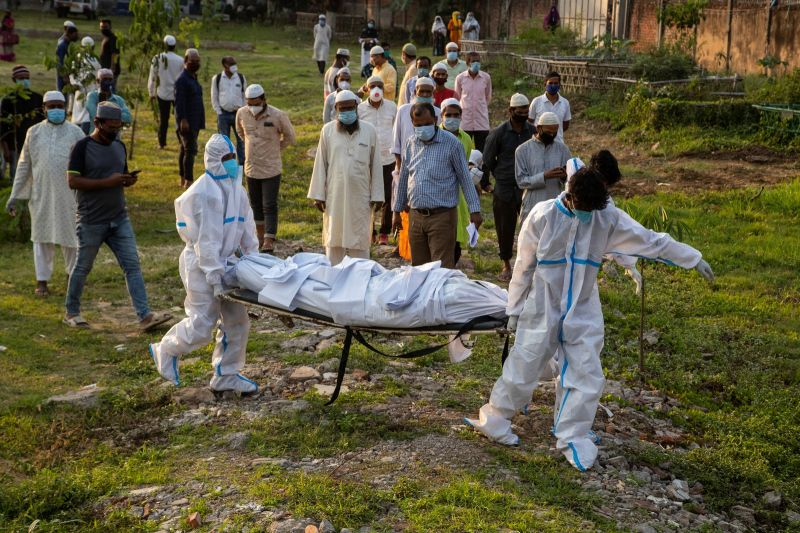 印度新增3689人病故再創紀錄 救命氧氣陸續運達