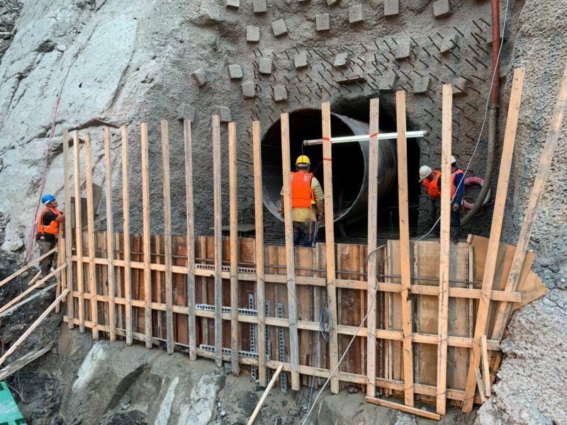 ▲北水局已於4月23日當水位低於218公尺時,備妥施工機具進場作業,預計於5月底前趕工完成。(圖/北水局提供)