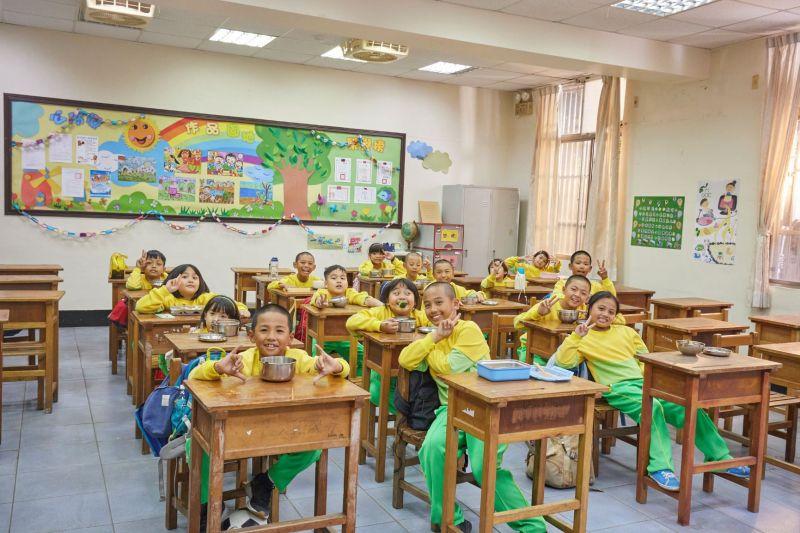 ▲台灣彩券公司董事長薛香川也分享,孩子們滿足的笑臉就是台灣彩券想與社會一起努力的最大動力。(圖/台灣彩券提供)