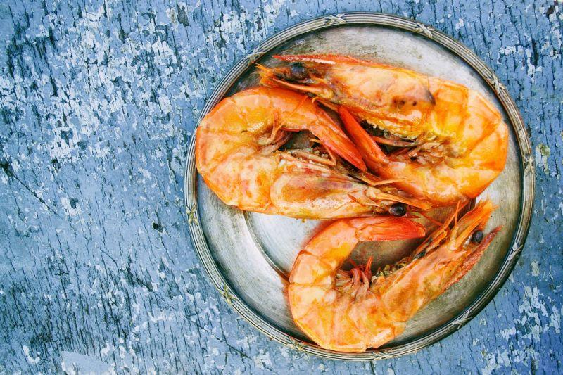 ▲客人買完活蝦後,回家並沒有料理,而是先冷凍,之後才拿出來料理。(示意圖/翻攝自《pexels》