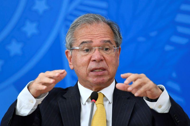 ▲巴西經濟部長葛德斯(Paulo Guedes)昨天宣稱「中國人發明了武漢肺炎」後,參議院武漢肺炎真相調查委員會主席阿濟茲(Omar Aziz)批評葛德斯「自以為是」和「抱美國大腿」。資料照。(圖/美聯社/達志影像)