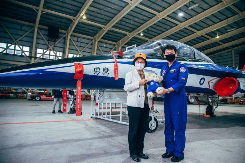 首批勇鷹機年底進駐志航基地 立委視察研發單位關切進度