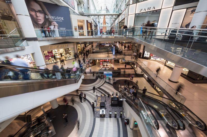 ▲台灣百貨公司除了瘋直播打空戰外,近年來也興起「空間革命潮」,百貨不再只是賣東西,而是提供更多舒適的空間可以體驗生活。圖為百貨公司示意圖(圖/翻攝自免費圖庫)