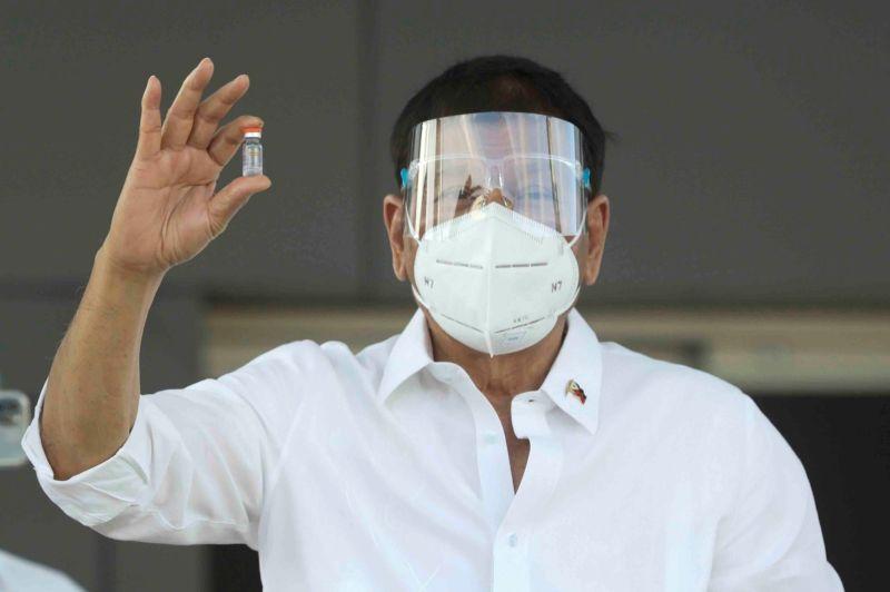 中國捐百萬劑疫苗 杜特蒂:謝謝,但國家利益仍不能讓步