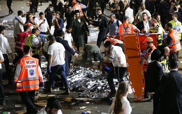 ▲以色列北部傳出大批民眾聚集慶祝「篝火節」時,因看台突然倒塌、爆發人踩人,導致至少38人死亡的悲劇。(圖/翻攝自以色列時報)