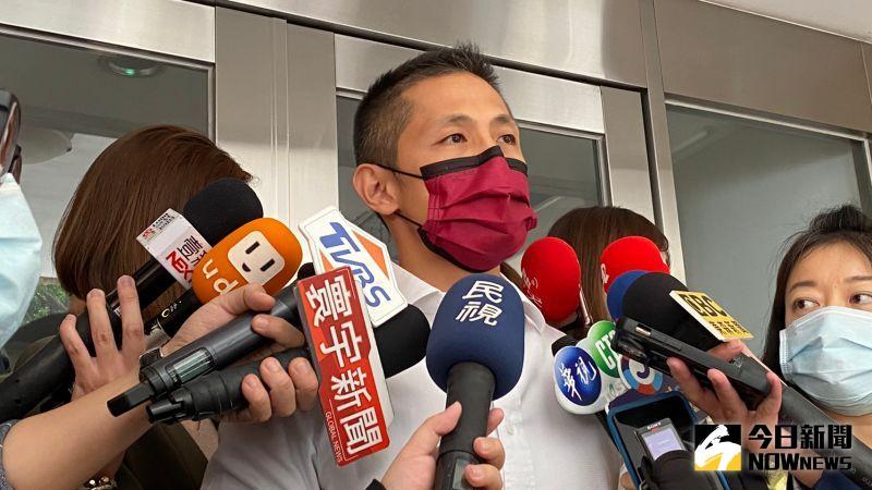 吳怡農今(30)出面解釋為何不能第一時間開鍘趙介佑,和他與趙家的關係(圖/記者胡宥心攝影,2020.4.30)