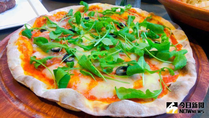 ▲道地義式手工披薩。(圖/記者劉雅文拍攝)