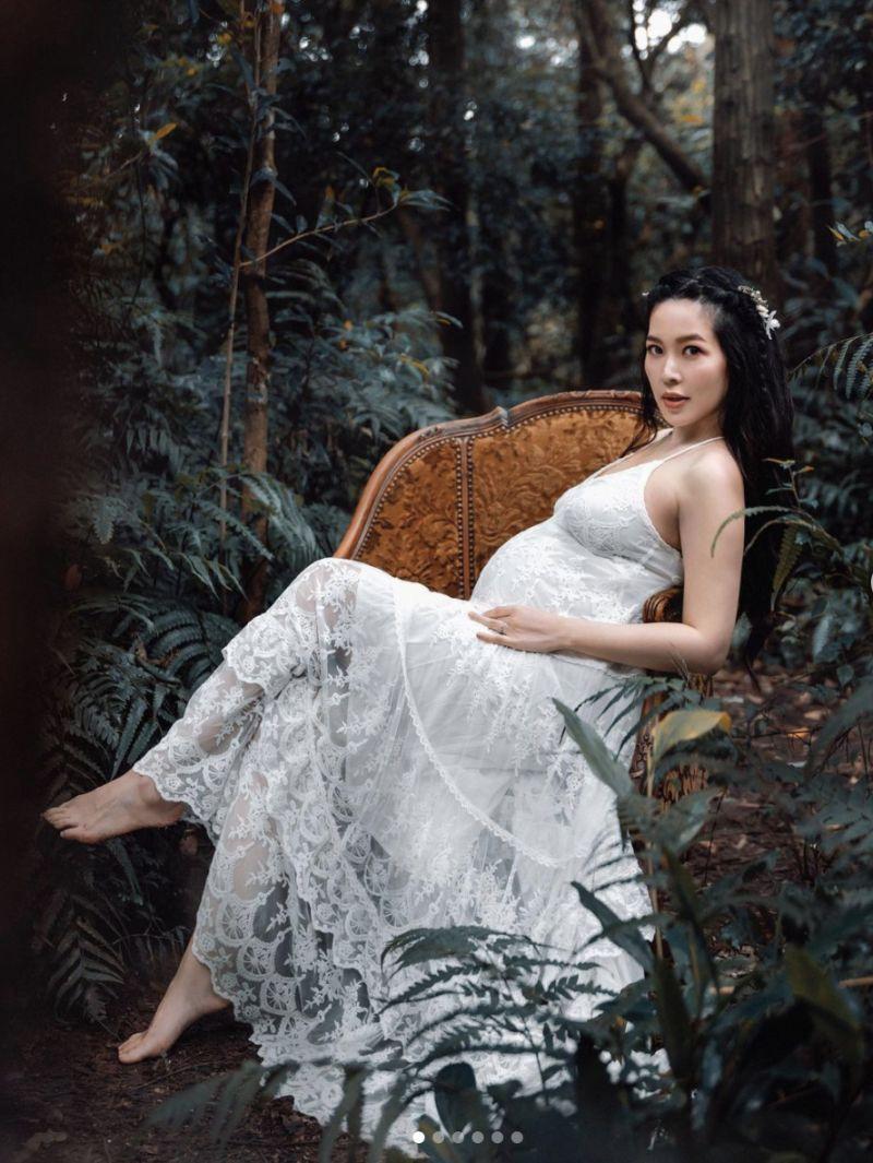▲廖曉喬的懷孕寫真相當美麗。(圖/翻攝廖曉喬IG)
