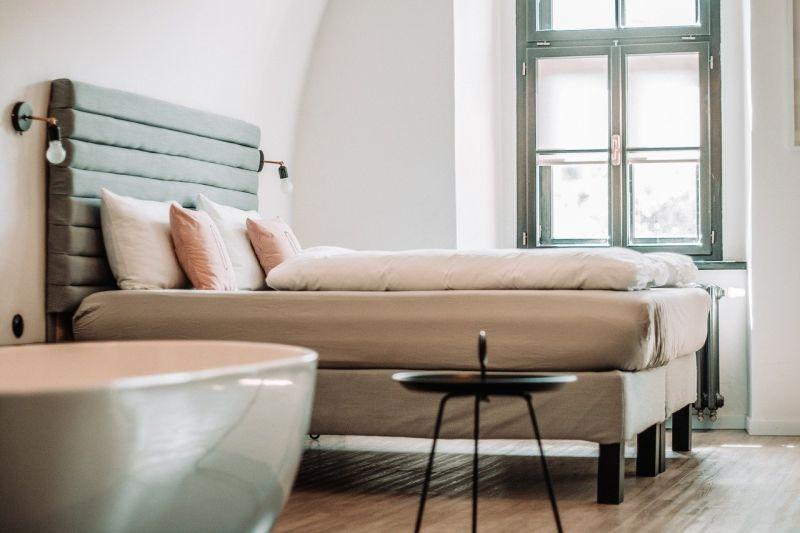 ▲房間超熱該如何自然降溫?居家族曝2方法。(示意圖/取自pixabay)