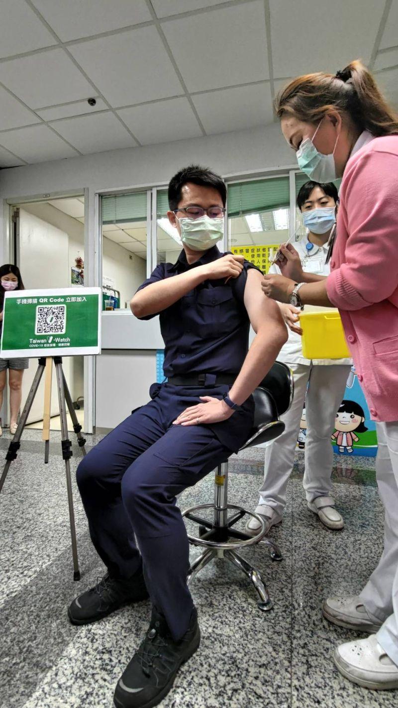 本土疫情拉警報 金融業提供員工疫苗接種假