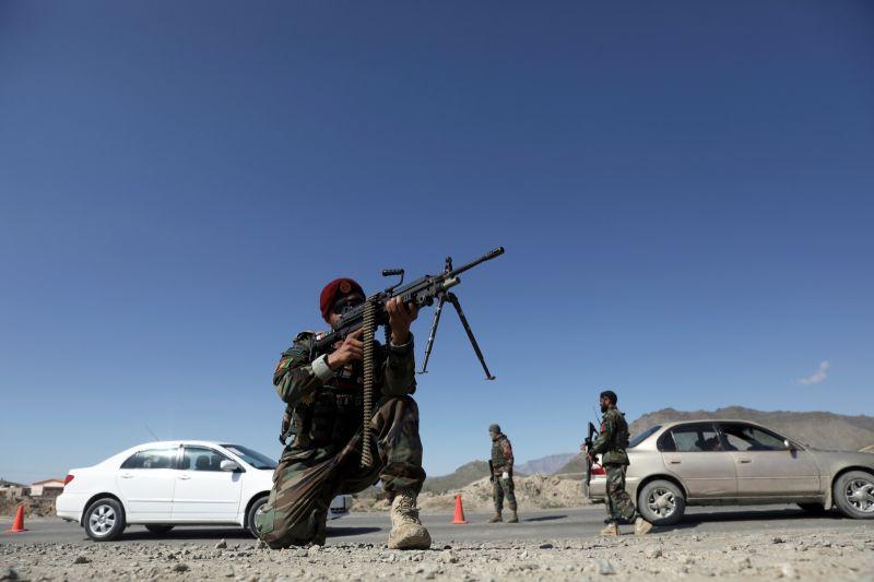 阿富汗政府軍激戰塔利班 逾百名叛亂分子喪命