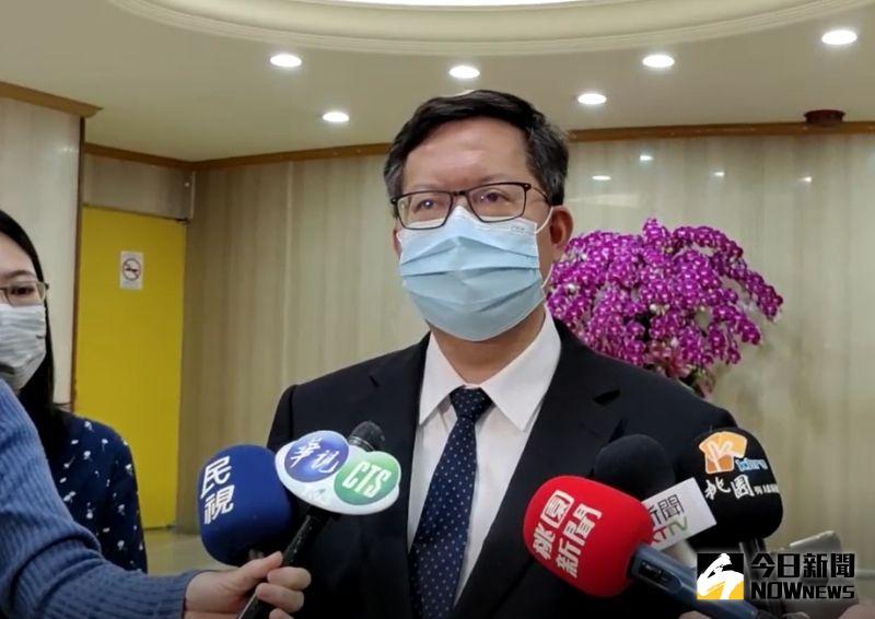 ▲華航及民航局用分層方式管理,沒有提出防疫旅館申請這部分,鄭文燦表示,如果有違規,會按規定來開罰。(圖/記者李春台攝,2021.05.05)